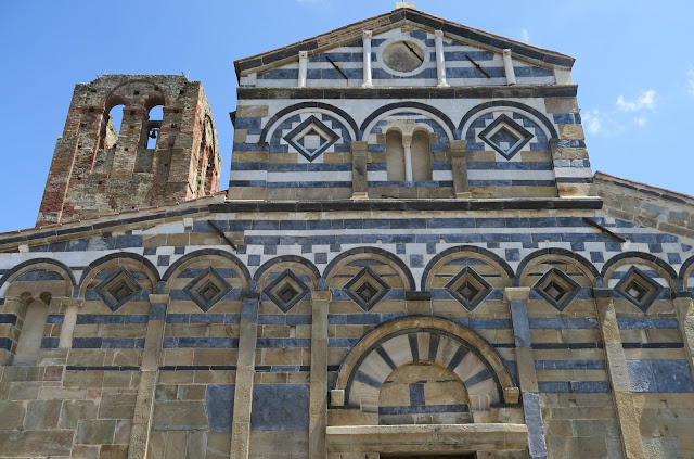 The Parish Church of Calci.   (Pieve dei Santi Giovanni and Ermolao)  Examplary Pisan Romanesque Architecture.