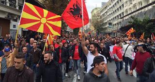 Οι Αλβανοί βάζουν «μπουρλότο» στα Σκόπια: «Να αναγνωριστεί επίσημα η γλώσσα μας, αλλιώς μπλοκάρουμε την Συμφωνία των Πρεσπών»