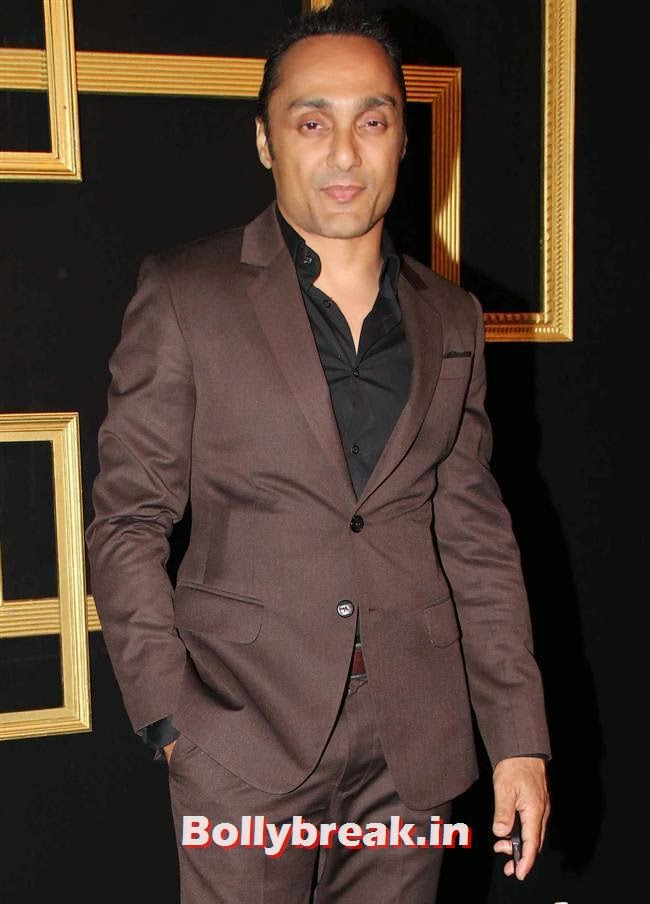 Rahul Bose, All Bollywood Celebs at Deepika Padukone Golden Party