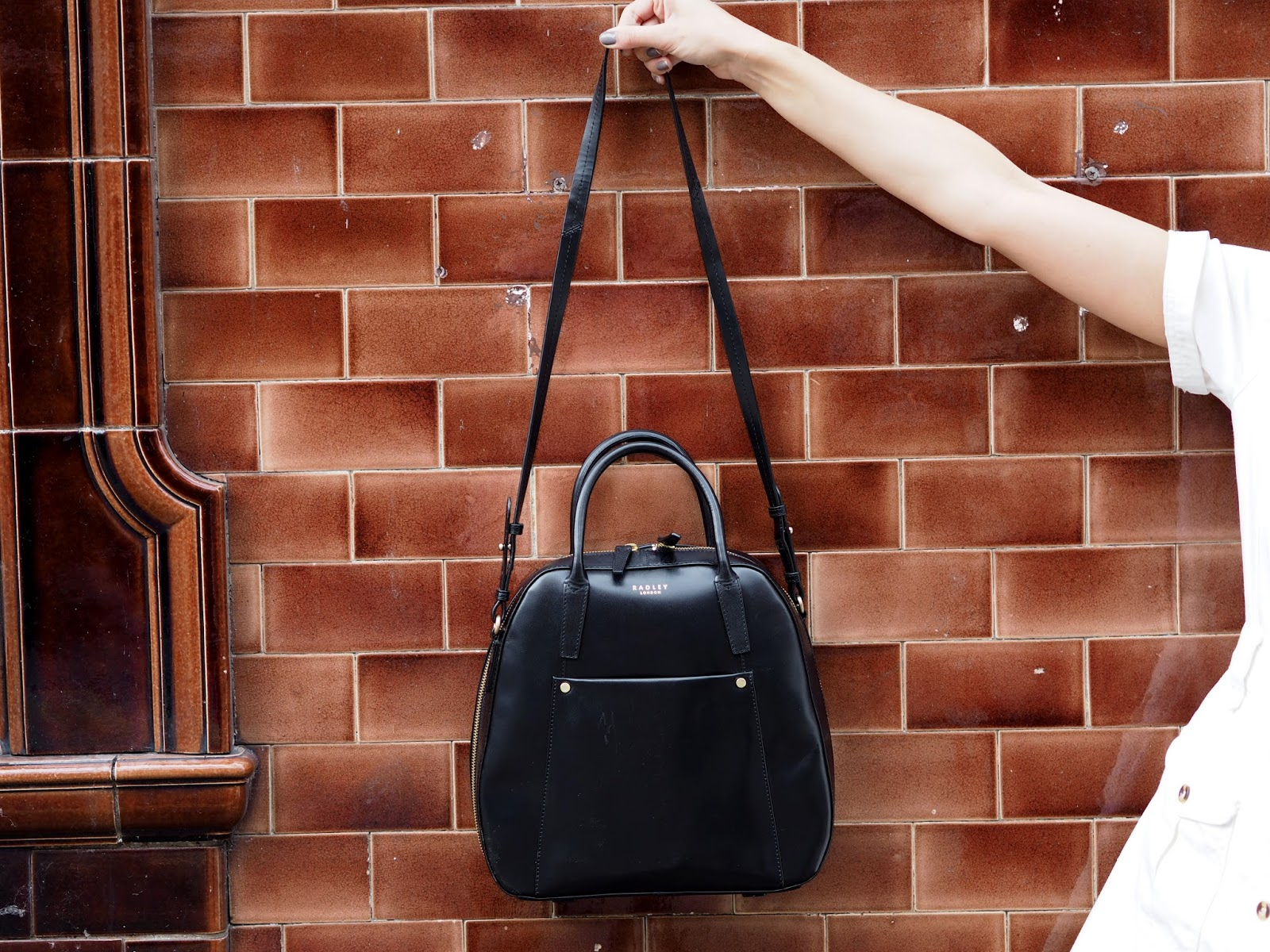 Black Radley bag, the perfect seventies accessory