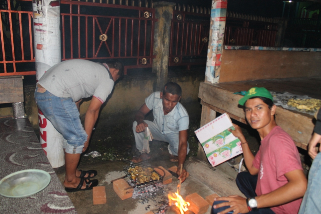 Perpisahan Mahasiswa KKN Kelompok P240 Gampong Cot Baroh