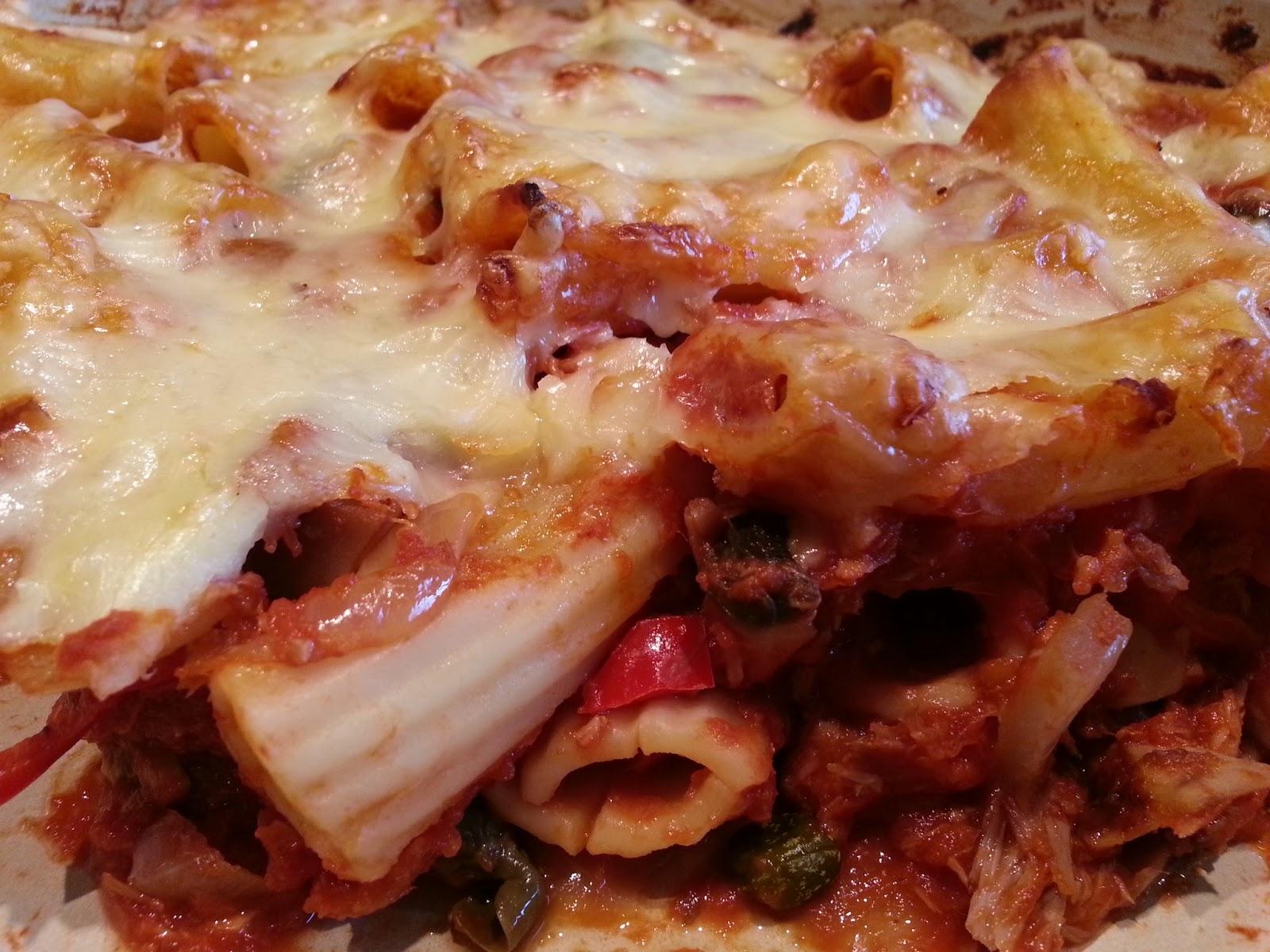 How to make tuna pasta bake with passata