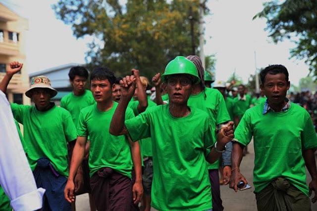 ထက္ေခါင္လင္း (Myanmar Now) ● အနံ႔ဆိုးဆက္ထြက္မႈ  ၆ လ သည္းခံရန္ ရန္ကုန္အရက္ခ်က္စက္ရံုမ်ား ေတာင္းဆို