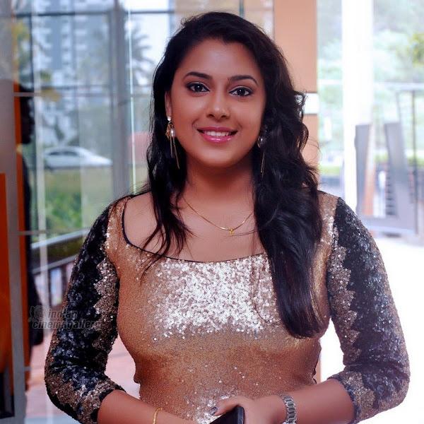 Jewel Mary latest photos from Pattanam Rasheed Daughter Wedding