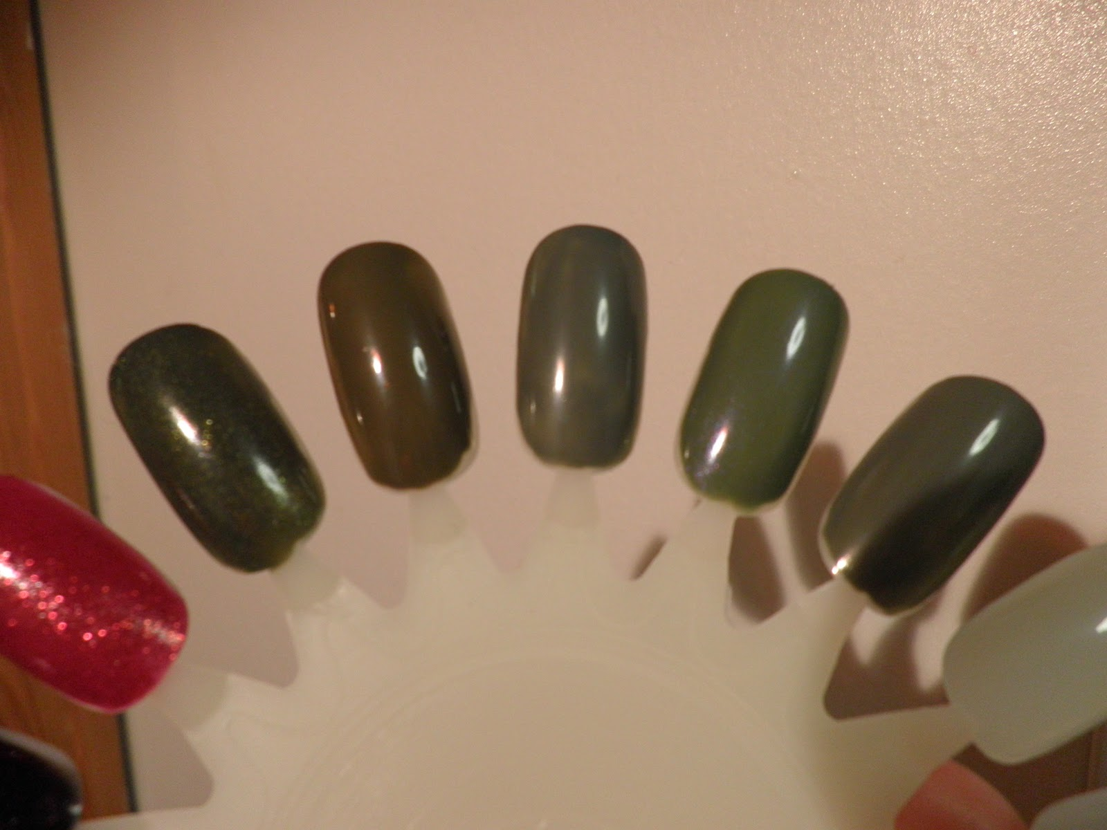 I swatch it, so you dont have to!: NOTD: Sephora by OPI