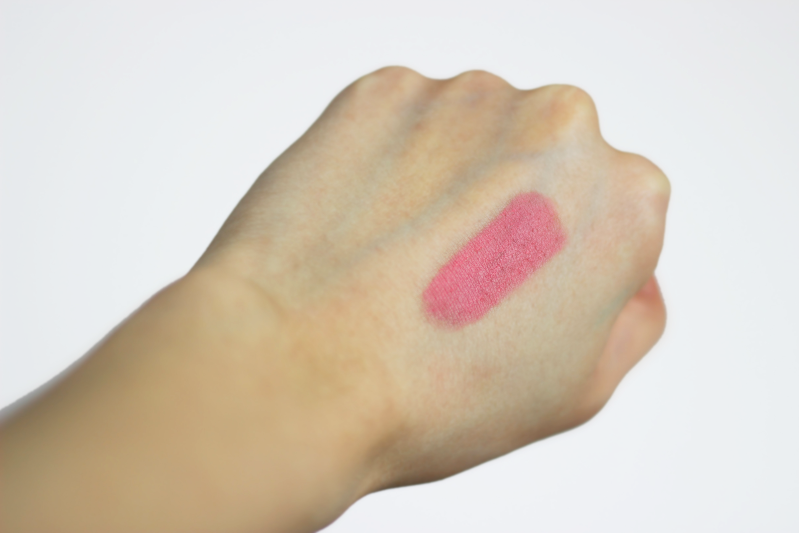 glossybox, glossybox uk, review, beauty review, makeup, beauty, anasofiachic, lifestyle, makeup blogger, motd, mua, beauty blogger, lifestyle blogger, fashion blogger, fashion, anasofiachic, uk blogger, glossybox may 2015, lipstick, pastel pink