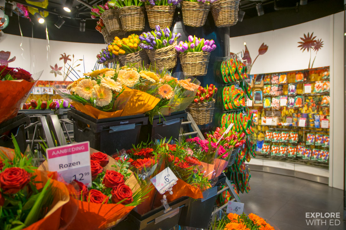 Dutch Tulip shop in Schiphol Airport