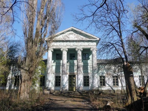 Прелестное, Славянский район, Донецкая область. Дворец Бантыша