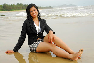WWW..BLOGSPOT Actress Nakshatra Spicy Legs Show in Short Images Picture Stills Gallery 0002