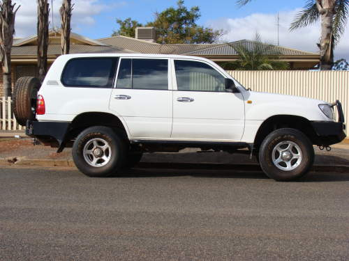 29+ 2000 Toyota Land Cruiser 100 Series