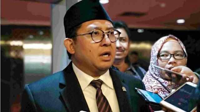Fadli Bilang Jokowi Tak Boleh Bagikan Sertifikat: Itu Tugas Lurah
