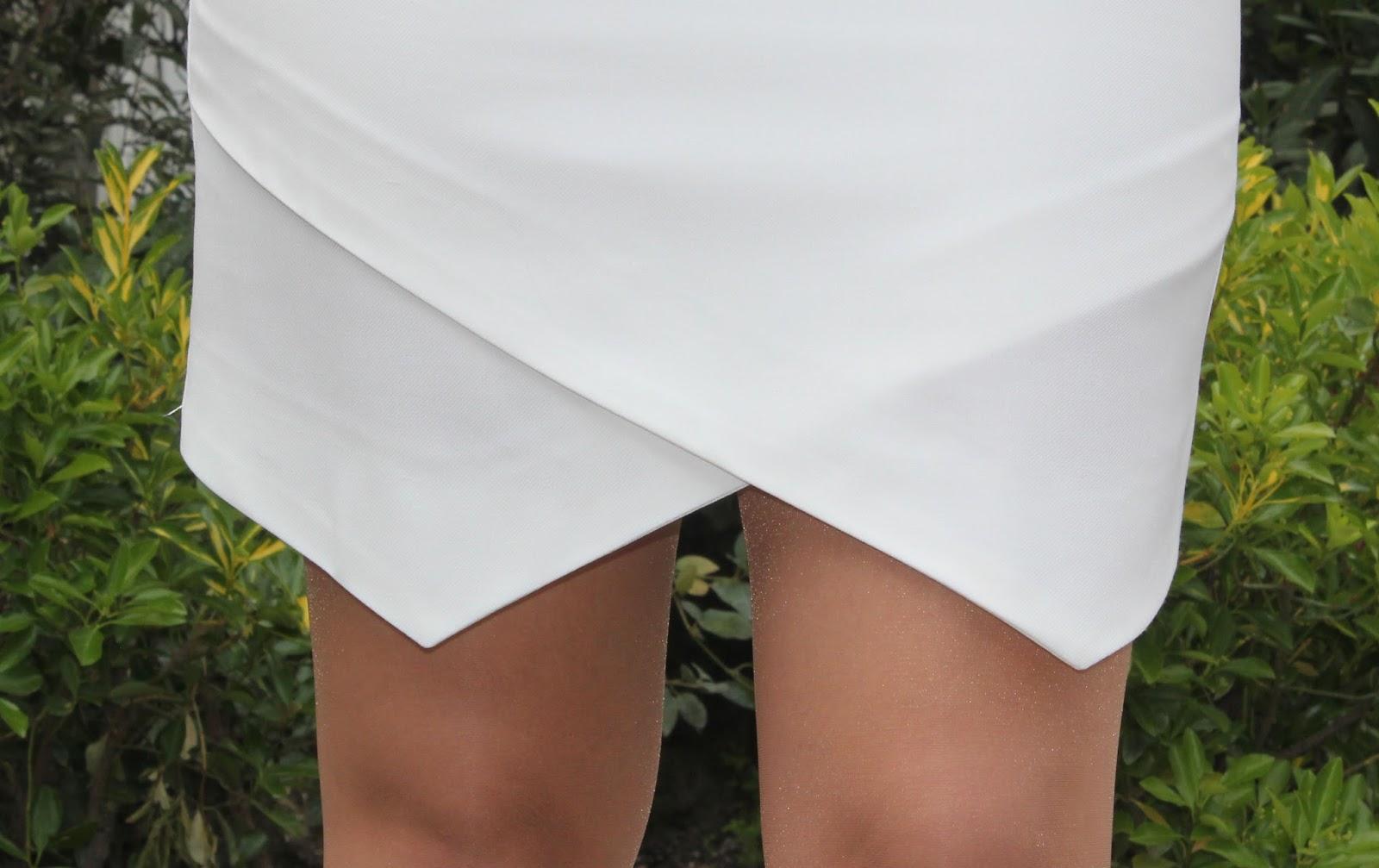 Bajo la falda de una linda abue - 4 3