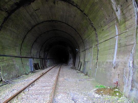 Wchodzimy do tunelu.