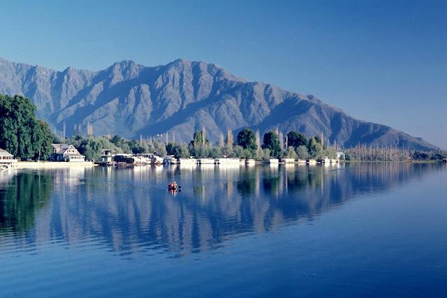 9-Wular-Lake-Srinagar