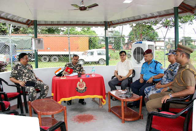 Jyotirmoy Chakravarty, IPS, Additional Director General (ADG) SSB Discussion the Nepal Police and APF Nepal at BOP Panitanki