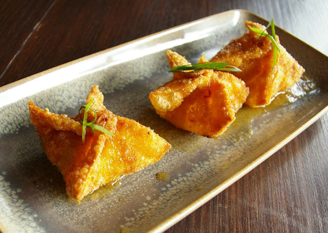 Susie Wong, chicken, sweetcorn and prawn wontons
