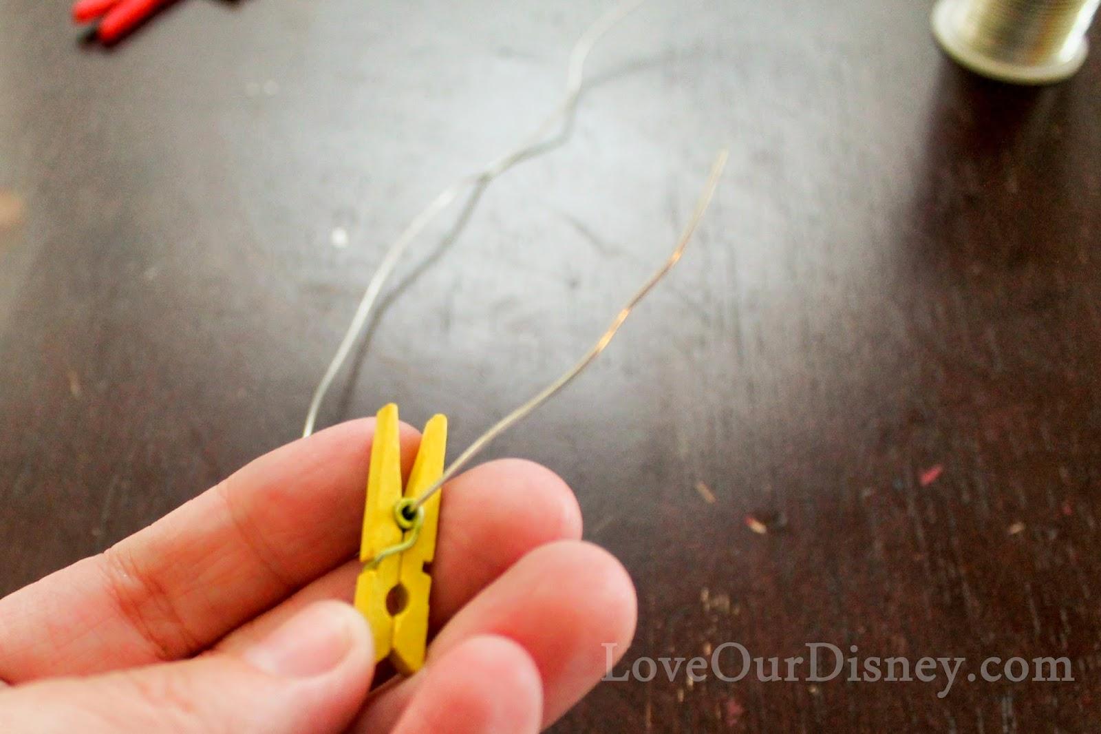 Make a Clothesline Photo Display by LoveOurDisney.com