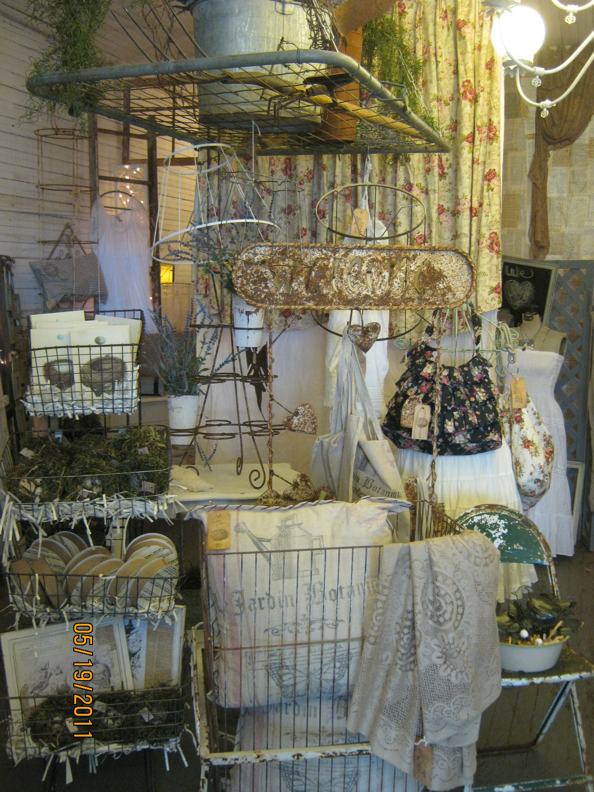 1000 Images About Antique Mall Booth Ideas On Pinterest