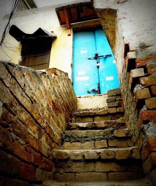 Raja Bazar Rawalpindi: Shiraz Hassan: The Abandoned Mandirs Of Rawalpindi