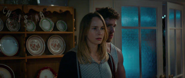 Await Further Instructions imagenes hd