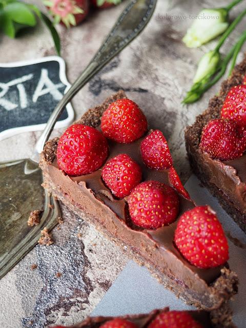 tarta-bez-pieczenia-z-owocami