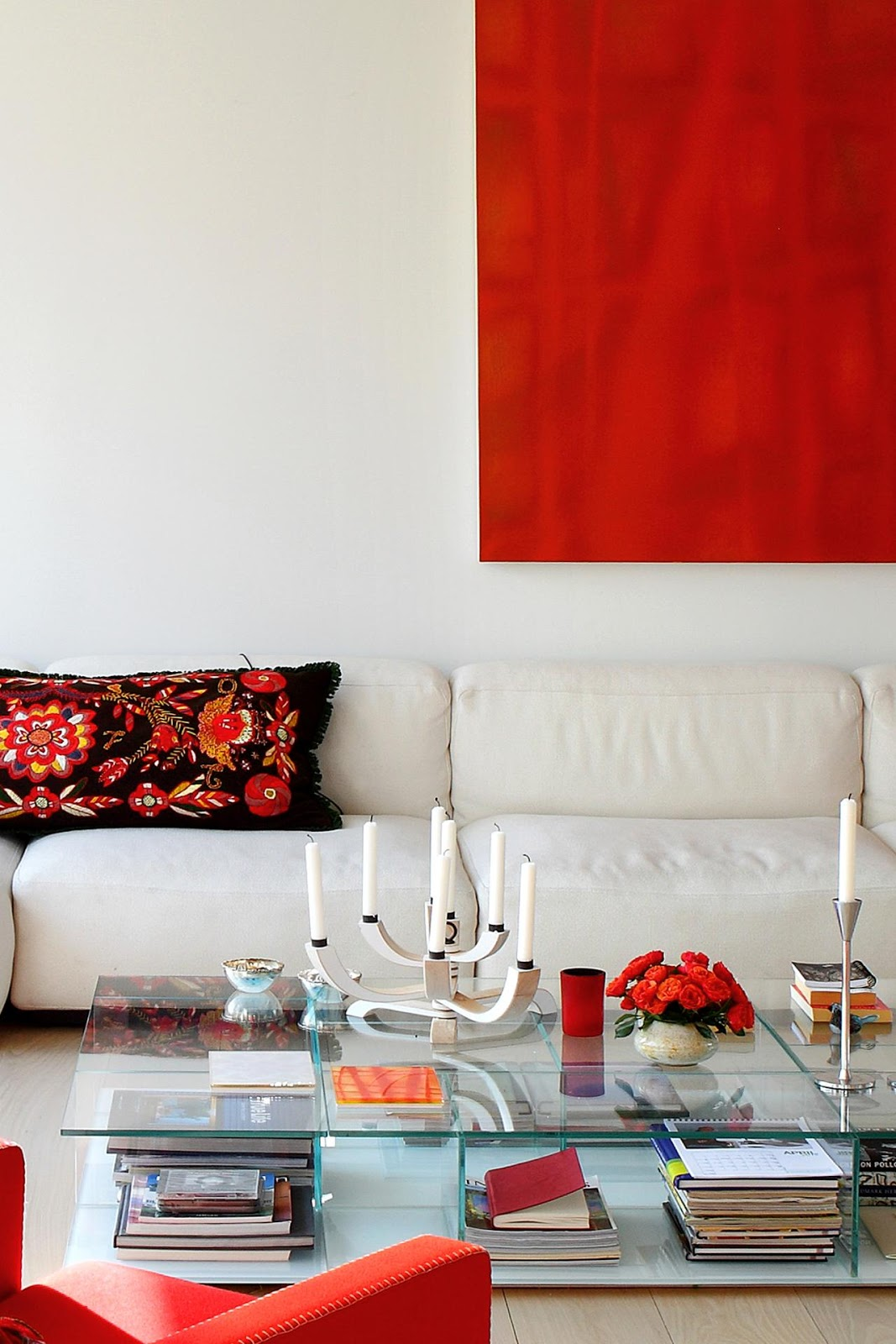C.B.I.D. HOME DECOR and DESIGN: DECORATE WITH COLOR