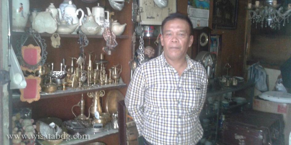 Penjual Barang Antik di Bandung