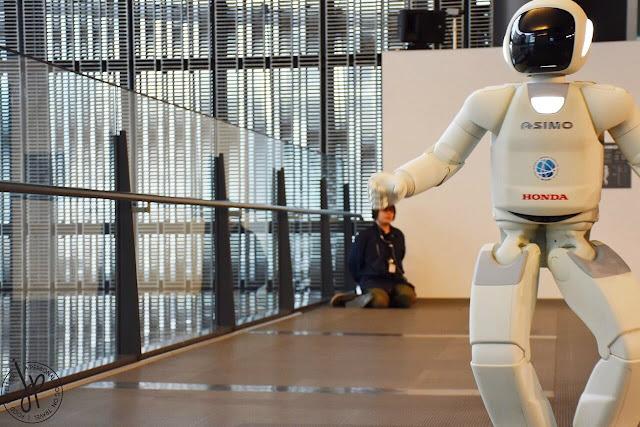 honda robot dancing