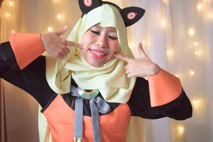 Hijab Cosplay SeeU