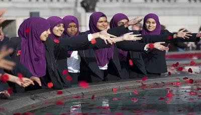 Muslim di London Perkenalkan Islam