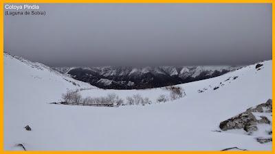 Imagen de la Laguna de Sobia nevada