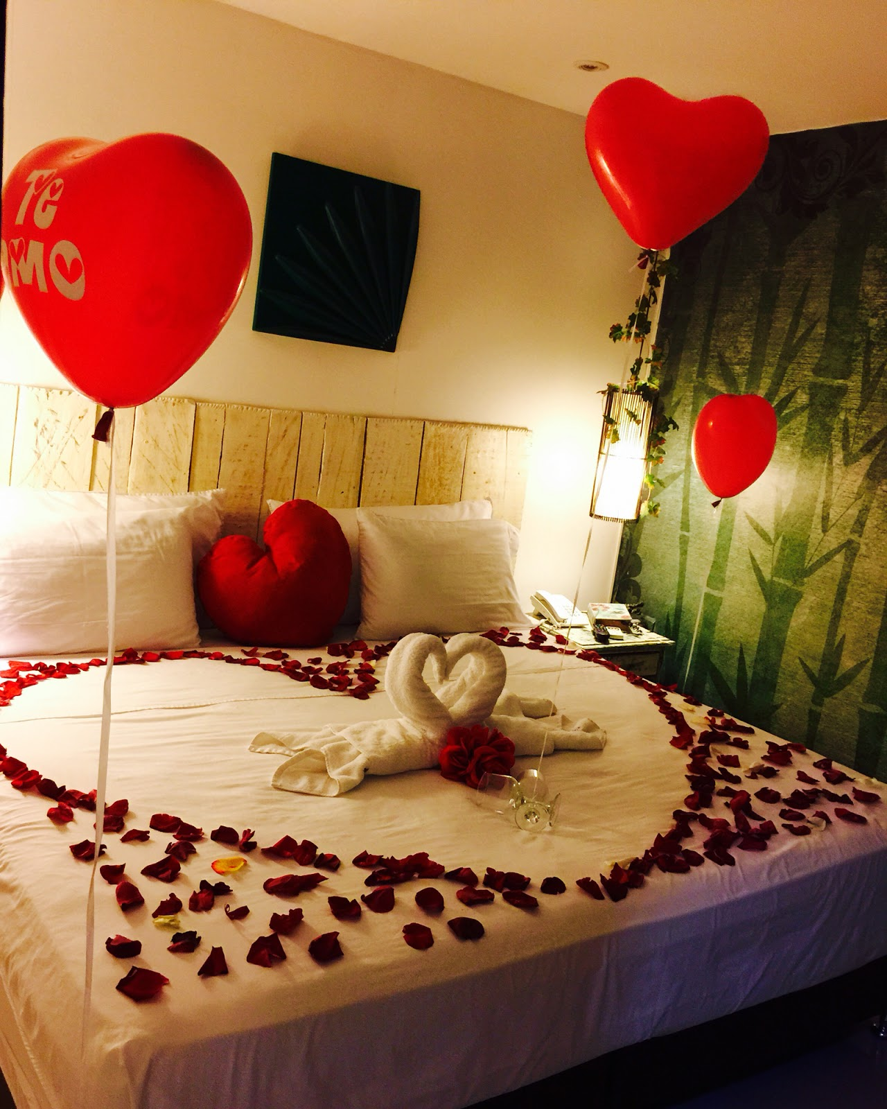 ImagesList.com: Bedroom Decoration For Valentine's Day 1