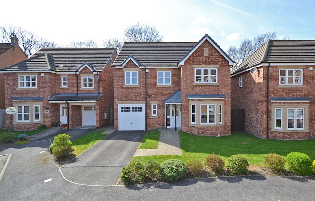 This Is Wakefield Property - 4 bed detached house for sale Royal Troon Mews, Wakefield WF1