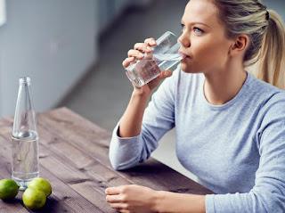 Diet Murah Tanpa Harus Olahraga dan Diet Ketat, Hanya Dengan Minum Air Putih Ternyata Dapat Menurunkan Berat Badan