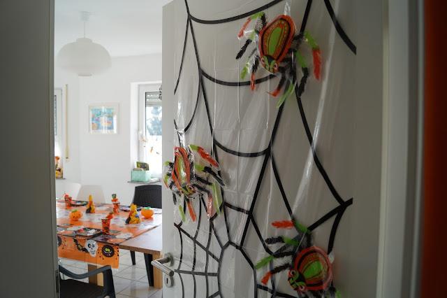 spinnen tür deko für halloween