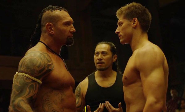 Dave Bautista en Alain Moussi in Kickboxer: Vengeance