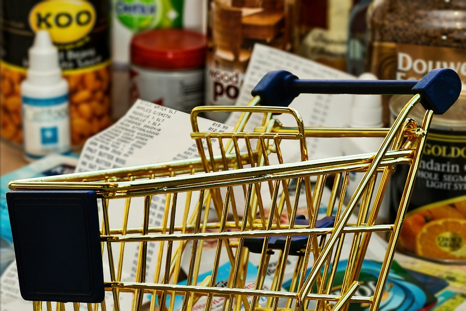 Deceiving Health Foods That Can Sabotage Dieting Illustrated with Shopping cart in grocery store