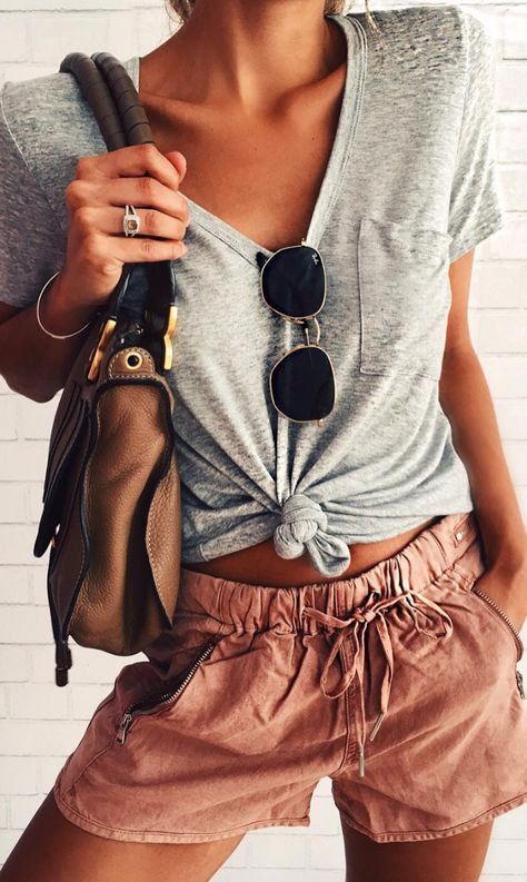 casual style obsession / tee + bag + shorts