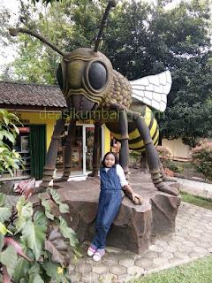 Mengunjungi Taman Wisata Lebah Cibubur