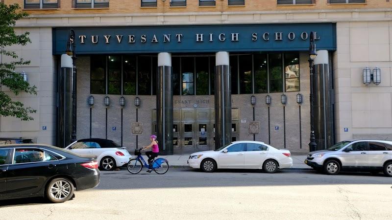 Sepuluh terluka dalam kerusakan eskalator Sekolah Tinggi Stuyvesant
