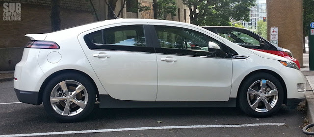 2013 Chevrolet Volt side view
