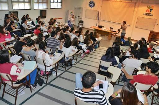 Universidad del Comahue: estudiantes podrían regresar a las aulas en primavera