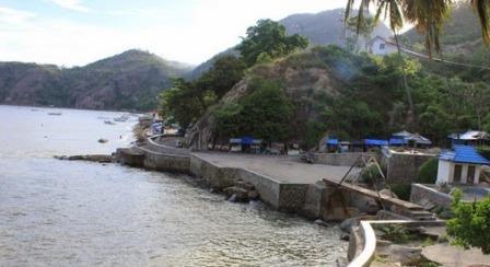 Obyek Wisata Pantai tangga 2000 Lahilote Gorontalo