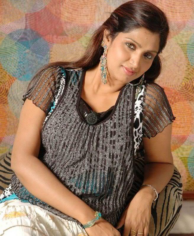 HOT SOUTH INDIAN MASALA ACTRESS BHUVANESHWARI NUDE WALLPAPERS