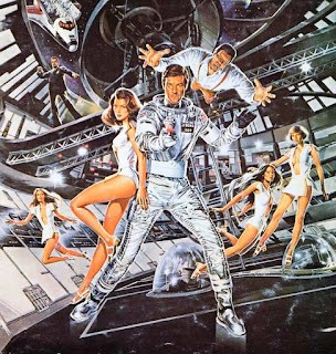 Imagen del cartel de Moonraker con Roger Moore