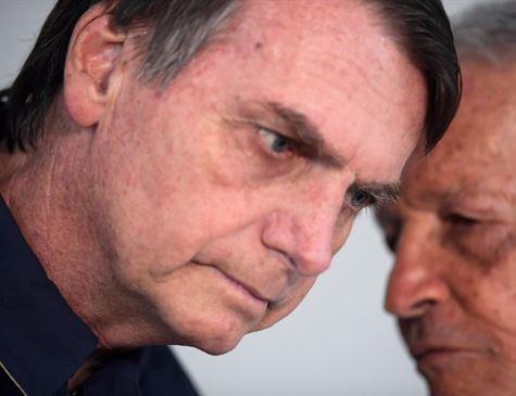 Bolsonaro muda estratégia depois de queda nas pesquisas