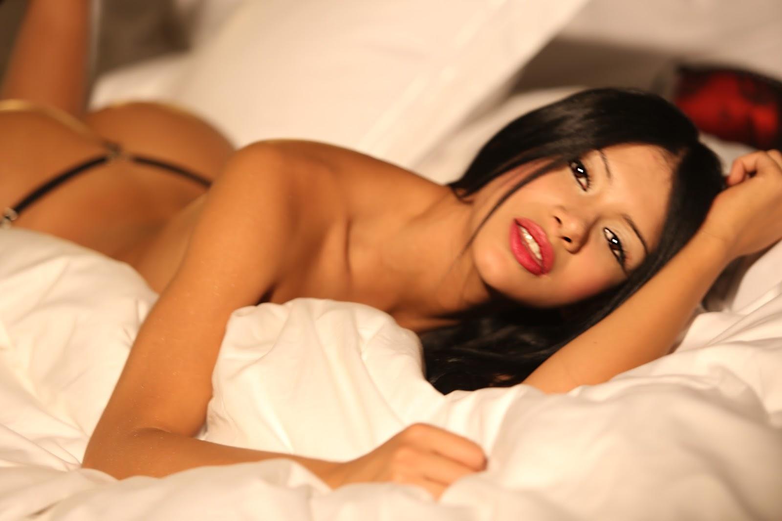 Jovensita desnuda de colombia bailando para todo el mundo - 1 part 9