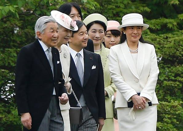 https://3.bp.blogspot.com/-xvaywAiScgE/VyCLbPIemnI/AAAAAAABBlc/3XKrr6gFxlsWXWGILvcK4Y0IfkfCSa_6wCLcB/s595/Japan-Royal-Family-1.jpg