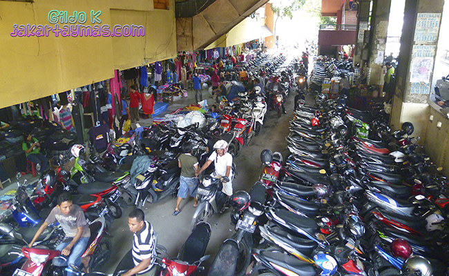 Parking de motos en Cipulir, Yakarta
