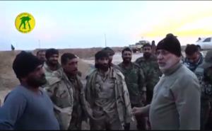 Ο επιχειρησιακός διοικητής του PMF Abu Mahdi al Muhandis στο αεροδρόμιο της Tal Afar